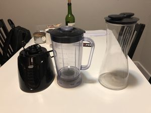 Blender+Rubbermaid pitcher for Sale in Austin, TX
