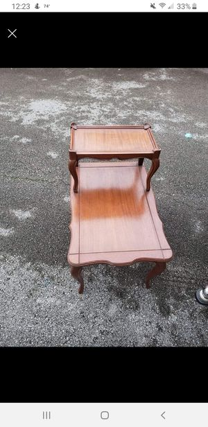 End table for Sale in Lexington, KY
