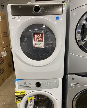 Electrolux Electric washer and dryer set #940 for Sale in South Farmingdale, NY