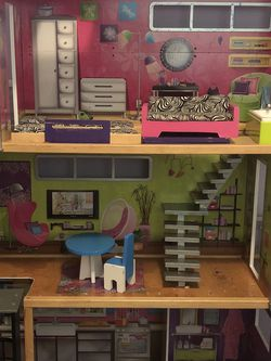 Deluxe Dollhouse with Elevator for Sale in Tacoma,  WA