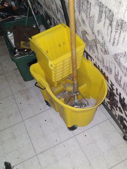 Mop Bucket for Sale in Hacienda Heights,  CA