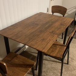 Cheap Table For Sale for Sale in Des Moines,  WA