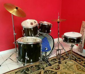 Drum set - Sound Percussion 5 piece for Sale in Hollywood, FL