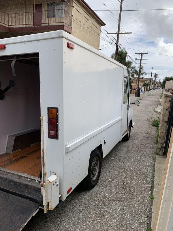 Dodge Umc aeromate truck - stealth camper van conversion