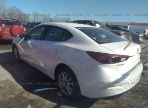 2017 MAZDA 3 FOR PARTS for Sale in Des Plaines, IL