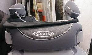 Graco car seat booster for Sale in Phoenix, AZ