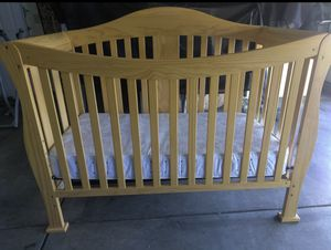 Crib and Dresser In Excellent Condition for Sale in Santa Clara, CA