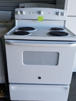 GE Stove Clean!! for Sale in Longwood,  FL