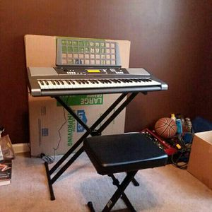 Yamaha YPT-310 61 Full Size Keyboard Bundle for Sale in College Park, GA