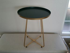 Brand New Metal End Table gold finish for Sale in Sacramento, CA