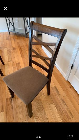 Kitchen table with 5 chairs for Sale in Lynchburg, VA