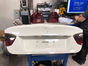 Trunk lid off of a 2006 e90 BMW **comes with tail lights** for Sale in Ashburn, VA