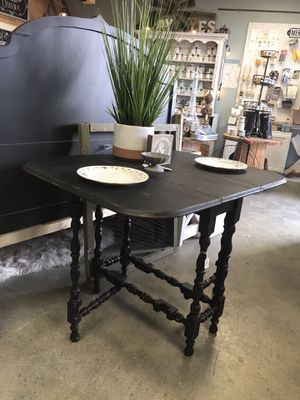 Drop Leaf Gate Leg Table for Sale in Phoenix, AZ