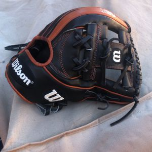 Wilson Baseball Glove for Sale in Carson, CA