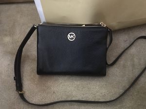 Authentic Michael Kors wallet/purse for Sale in Washington, DC