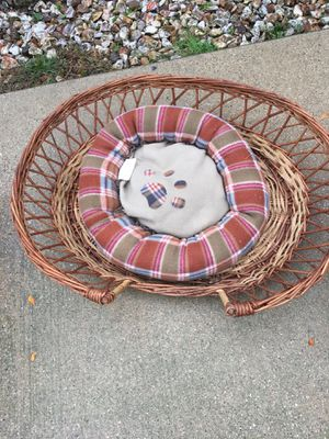 Pet basket for Sale in Chicago, IL