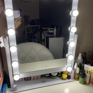 Vanity Mirror for Sale in Phoenix, AZ
