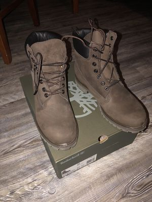 6 in Brown timberlands boots for Sale in Greenville, NC