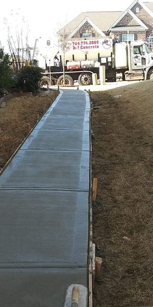 Concrete flat work/retaining walls for Sale in Statesville, NC