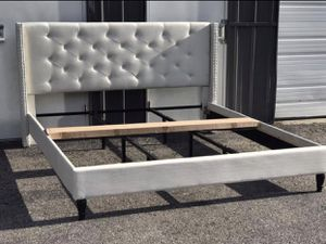 New KING size platform bed frame ivory for Sale in Columbus, OH
