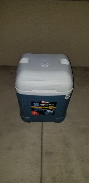 Igloo 5 Day Cooler 70-quart for Sale in Chandler, AZ
