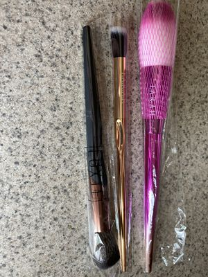 Ipsy Farrah Luxie Makeup Brush Set Brand New for Sale in Moreno Valley, CA