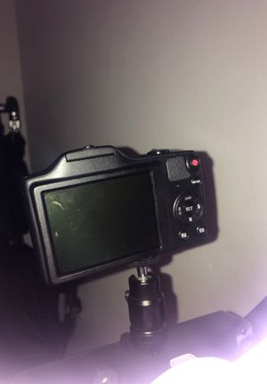 KODAK PIXPRO FZ152 Compact Digital Camera - 16MP 15X Optical Zoom HD 720p Video (Black) for Sale in Port St. Lucie, FL