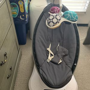 4 Moms Mamaroo Swing for Sale in Anaheim, CA