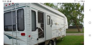 2004 5th Wheel Fleetwood Wilderness Advantage for Sale in Woonsocket, RI