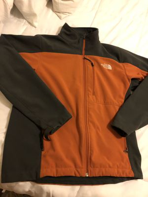 The North face men's jacket small for Sale in Sacramento, CA