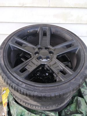 26 inch 6LUG rims 4 truck 1 tire busted Around $175 for new {url removed} rims bent Purchased 2 months ago. Lexani Tires Asking 4 $700 🎯 for Sale in Detroit, MI