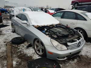 Mercedes cls500 cls550 parts . hood bumper for Sale in Chicago Ridge, IL