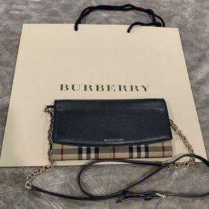 BURBERRY Calfskin Horseferry Henley Wallet for Sale in NO POTOMAC, MD