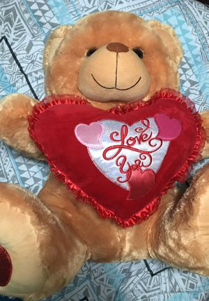 Valentines huge teddy bear for Sale in Lynwood, CA