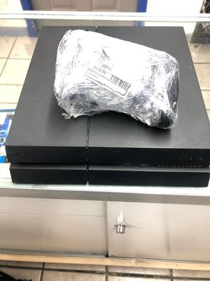 sony play station 4 1st gen CUH-1215A for Sale in Denver, CO
