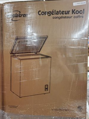 Freezer (5.5 cubic chest freezer) for Sale in Snow Hill, NC