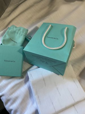 Tiffany & co bag, box, tissue paper and material bag for Sale in Las Vegas, NV