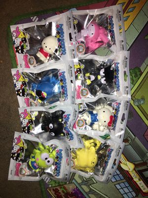 Sanrio squish me set of 8 for Sale in La Puente, CA