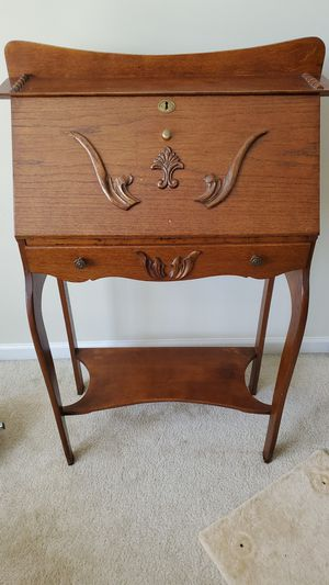 Antique desk for Sale in Morrisville, NC
