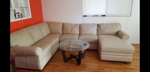 Living Room set For sale tables included for Sale in Fort Lauderdale, FL