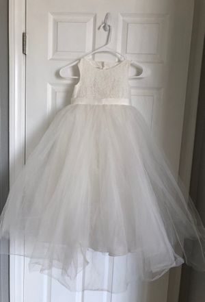 David's bridal flower girl dress size 4 for Sale in Las Vegas, NV