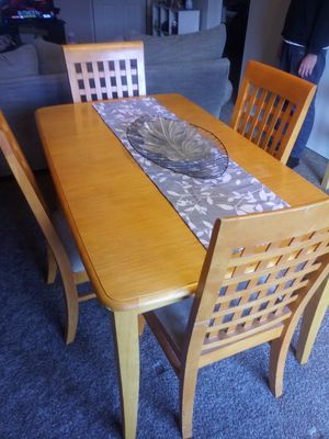 Kitchen table with 4 chairs for Sale in Brownsburg, IN