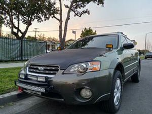 2005 Subaru outback Clean rittle for Sale in Los Angeles, CA
