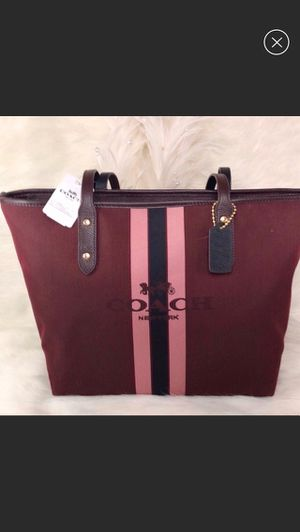 New COACH Oxblood Horse & Carriage Tote for Sale in Henderson, NC