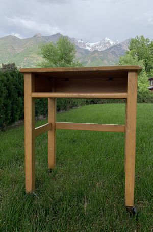 Small table or cart, has wheels & shelf for Sale in Sandy, UT