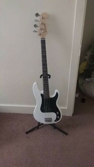 Bass guitar and amp for Sale in Clinton, IA