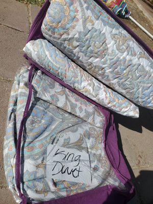$60 KING SIZE DUVET AND QUILT SET for Sale in Las Vegas, NV