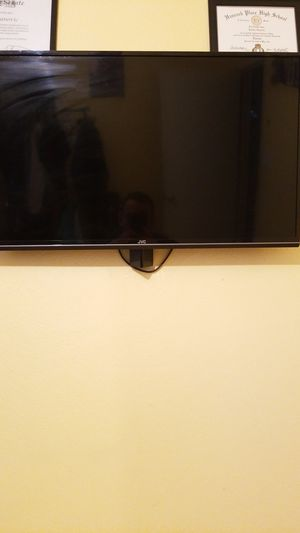 32 inch jvc tv for Sale in St. Louis, MO