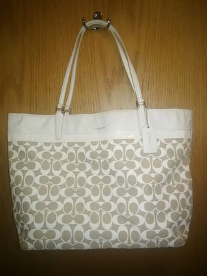 COACH PURSE LARGE TOTE BAG for Sale in Roselle, IL