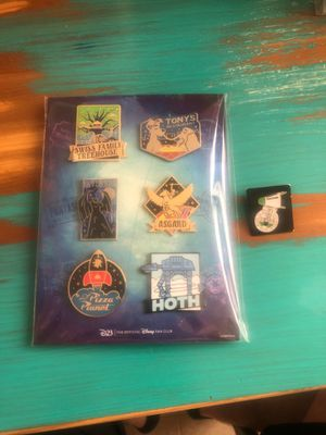 Disney pins. for Sale in Mansfield, TX
